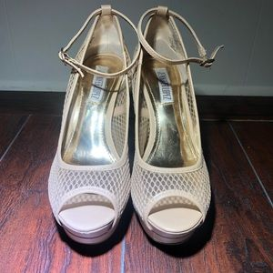 Women's Beige Stilleto Jennifer Lopez